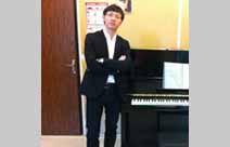 钢琴基础科教师 李少鹏